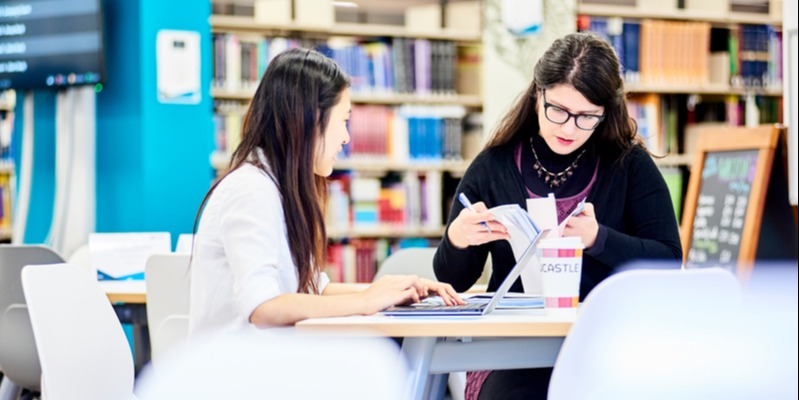 what jobs can you get with a business management degree